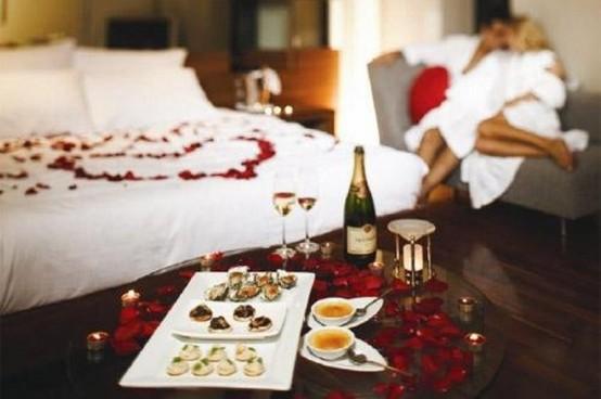 deco-St-Valentin-chambre-petales-roses
