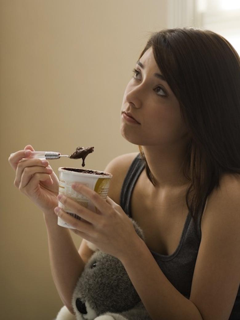 Pourquoi-mange-t-on-quand-on-est-triste-en-oubliant-qu-on-va-grossir