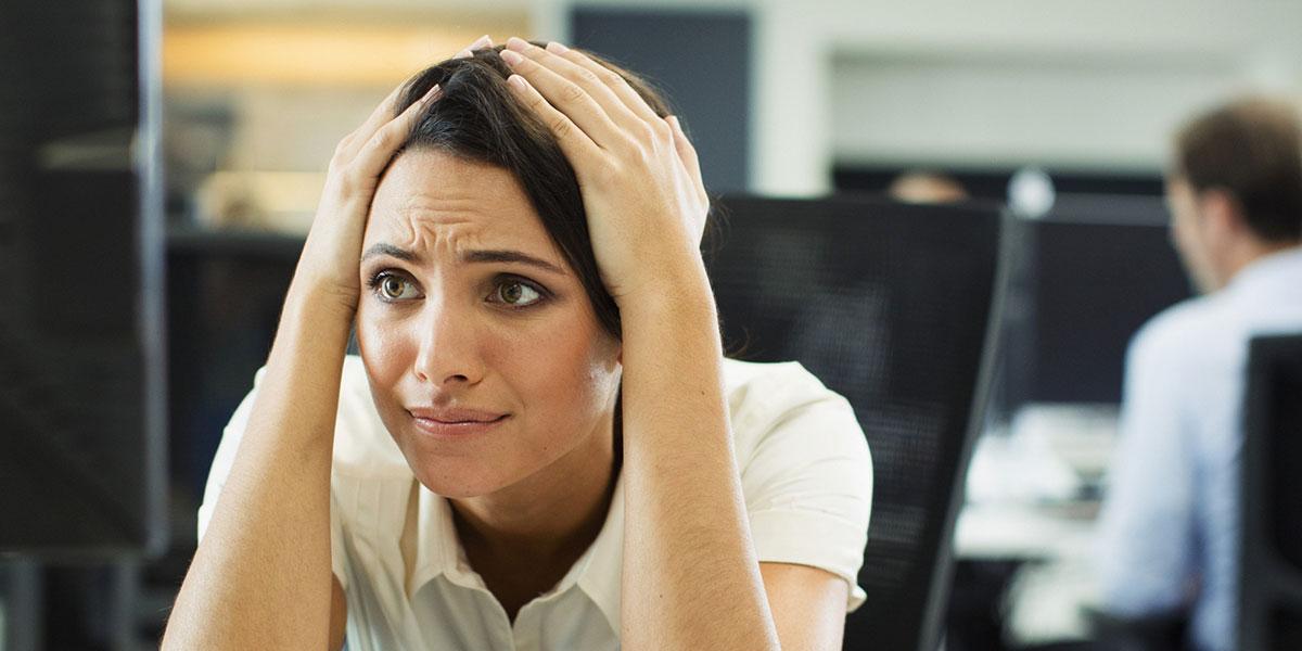 femme-stressee-boulot