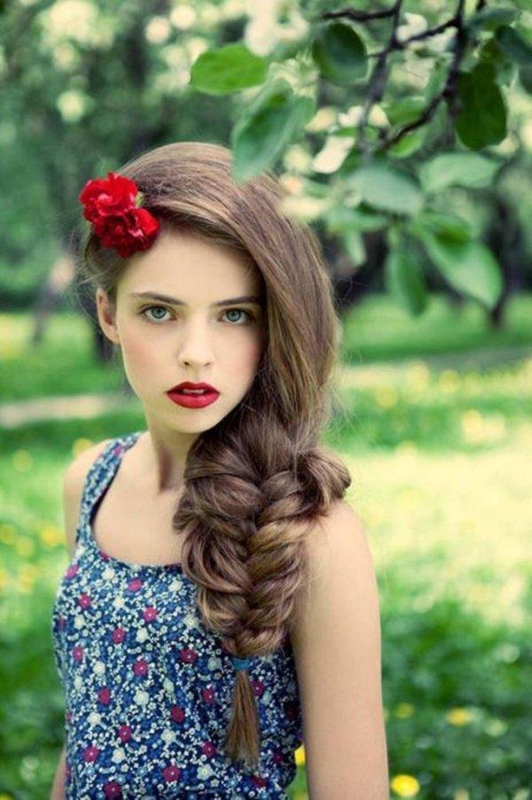 coiffure-tresse-epi-laterale-volumineuse