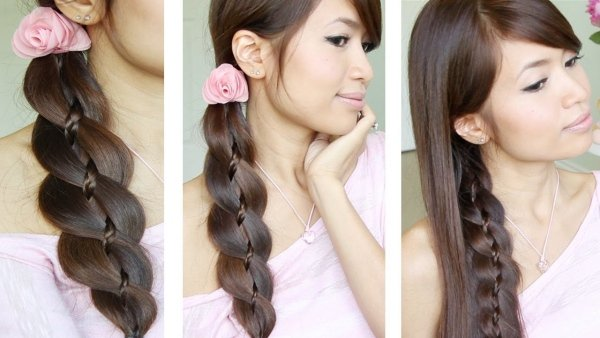 coiffure-tresse-lateral-rose-deco-cheveux-longs