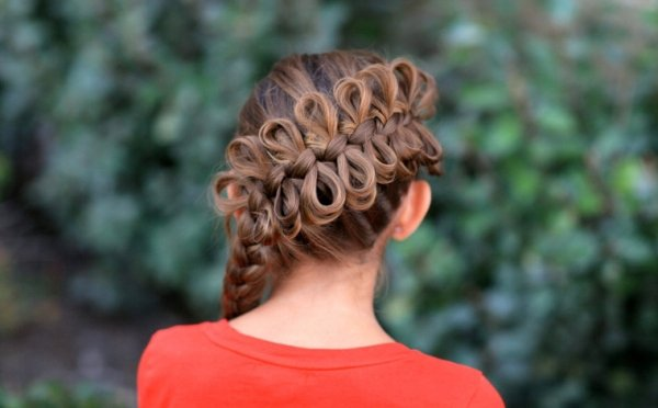 coiffure-tresse-simple-laterale-rubans
