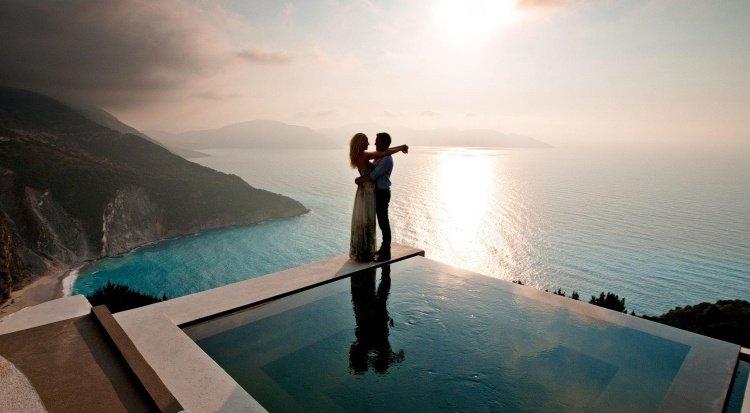 destination-vacances-romantiques-piscine-infinie-Crète-Grèce