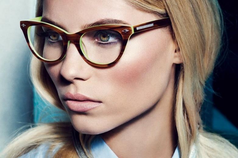 6 conseils pour rester belle m me avec des lunettes de vue. Black Bedroom Furniture Sets. Home Design Ideas