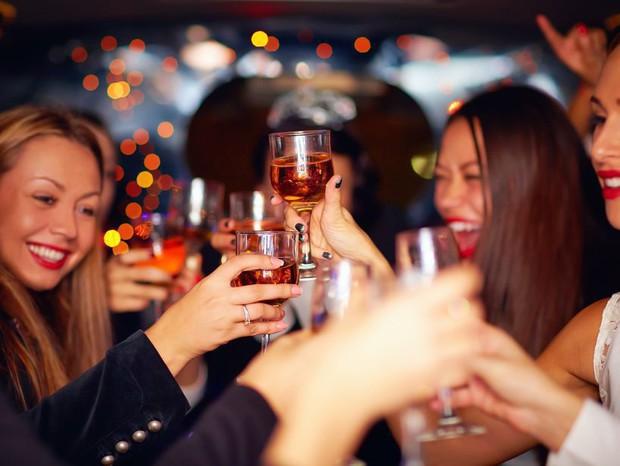 Saint-Valentin-trois-idees-de-soirees-a-faire-entre-copines-celibataires_width620