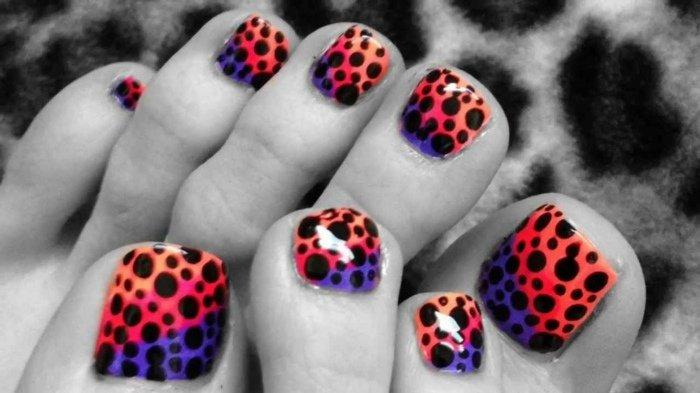 nail-art-facile-pieds-orange-rouge-violet-pois