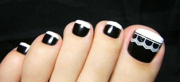 nail-art-facile-pieds-pédicure-french-noir-motif-dentelle