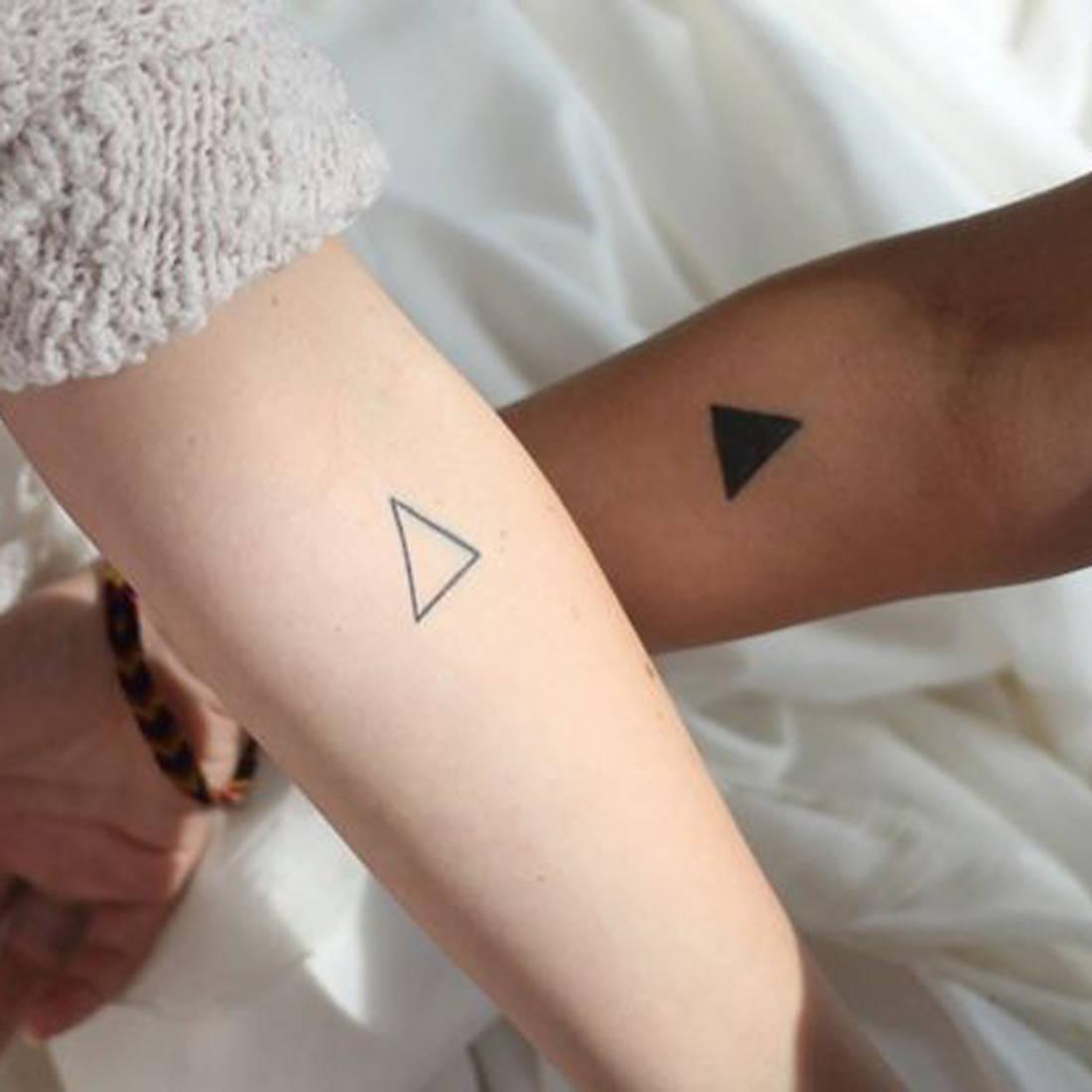 Tatouage-couple-triangle