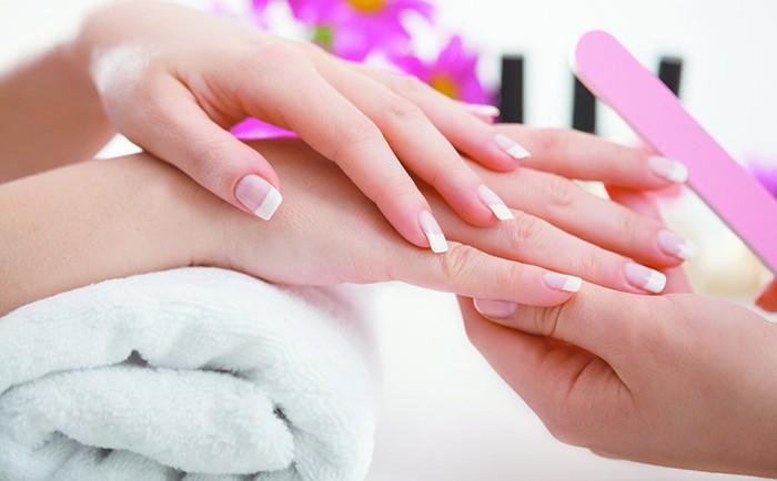 beaute-astuces-pour-avoir-de-belles-mains-au-naturel-_a388-700x434