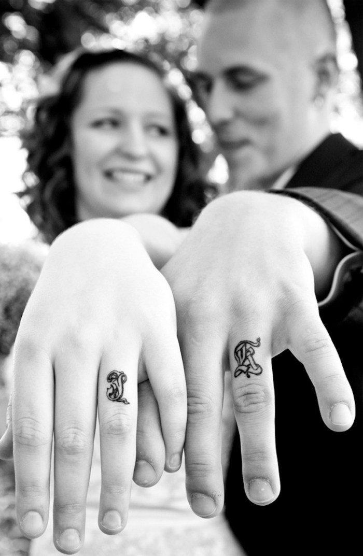 tatouage-couple-idee-originale-contour-noir-mariage