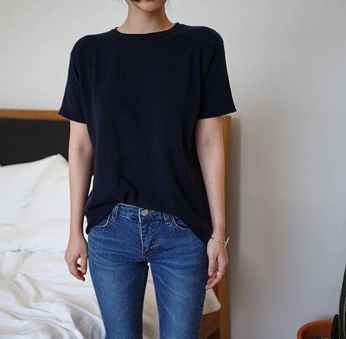 tee-shirt-dans-pantalon